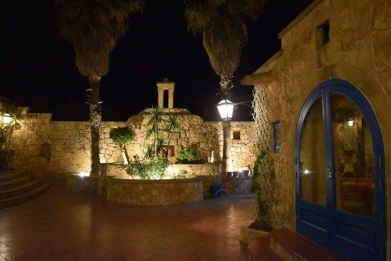 Sannat, Malta: Courtyard