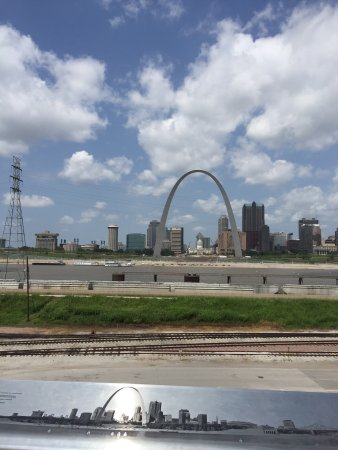 East Saint Louis 사진