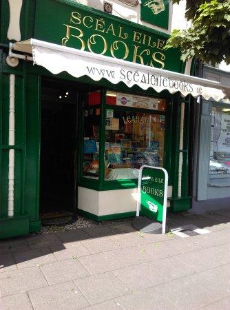 Ennis, Irlanda: Shop front