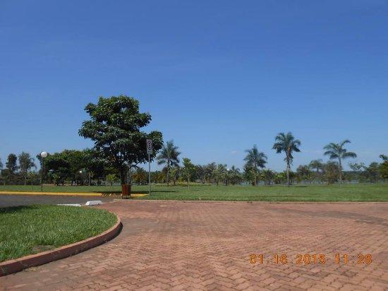 Sertãozinho, SP: Lugar amplo e aconchegante para ter ótimos momentos no gramado.
