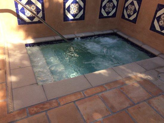 Rancho Valencia: Valencia Suite Jacuzzi