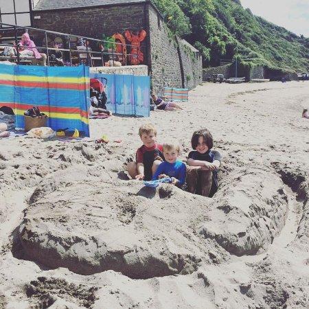 Par, UK: Epic Sand Art