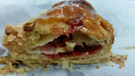 Fern Park, Floride : Guava pastry_large.jpg