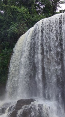 Astor Waterfall: Cachoeira do Astor, local limpo e rustico com a sua beleza natural, excelnte visita