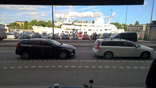 First Hotel Reisen: Вид после выхода из отеля