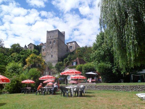 Sauveterre-de-Bearn, France: Pause gourmande pour le plaisir des yeux et des papilles