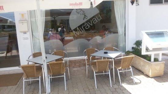 Miravau Restaurante: Entrace terrace