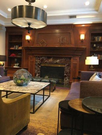 The Paramount Hotel : beautiful lobby