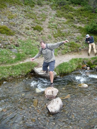 Canadian Rockies Alpine Hiking Day Tours: Crossing streams to Lake Helen