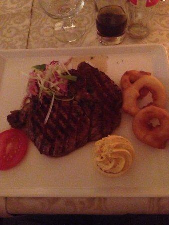 White Gables Restaurant : photo0.jpg