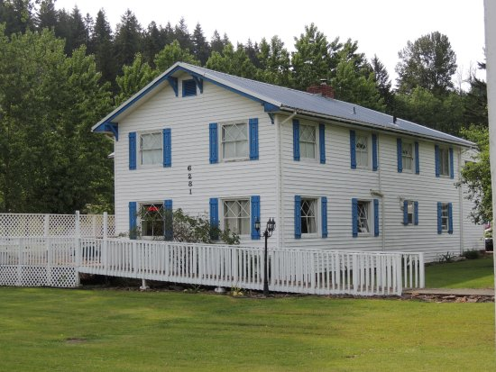 Foster, OR: Home setting offering lakeview lodging