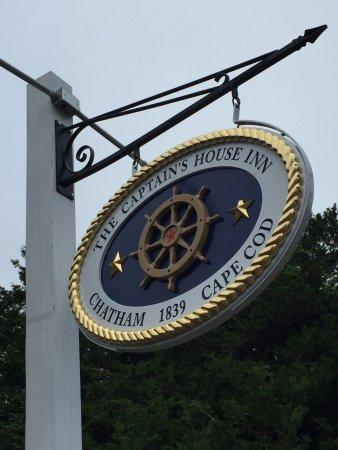 Captain's House Inn: photo1.jpg