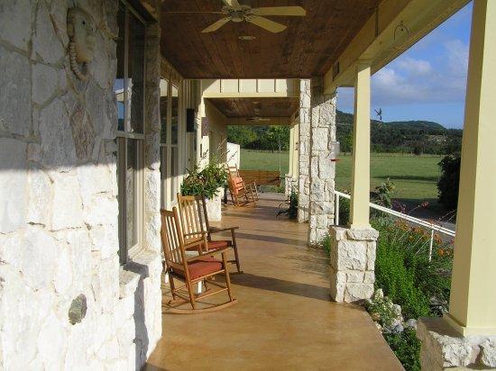 Tarpley, TX: The front porch looking northwest