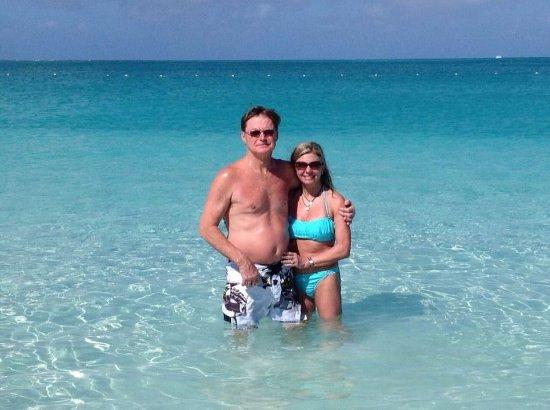 Ocean Club West: Enjoying the wonderful water.....