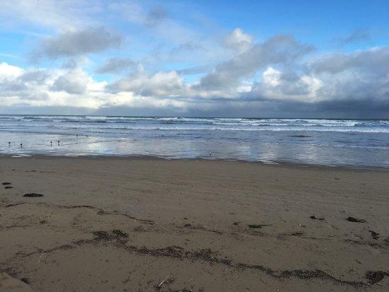 Goolwa, Austrália: Nice beach with whale watching lookout