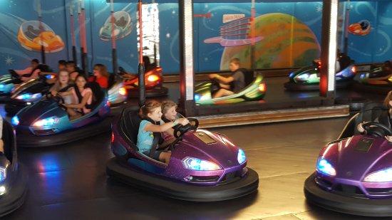 Oaks Amusement Park : Bumper cars