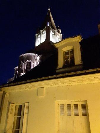 La Maison de l'Argentier du Roy: Collégiale St Ours (vue de nuit) photo prise depuis la chambre