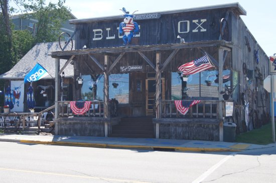 Baileys Harbor, WI: Blue Ox Restaurant and Pub