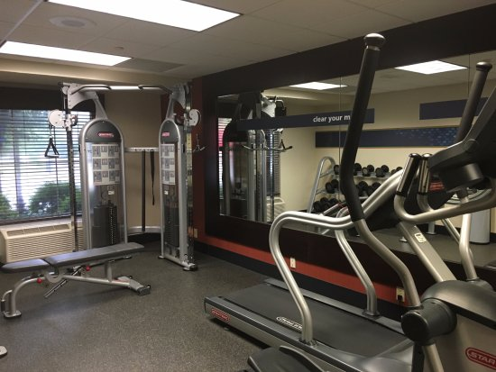 Hampton Inn and Suites Charlottesville - At The University: Fitness Center