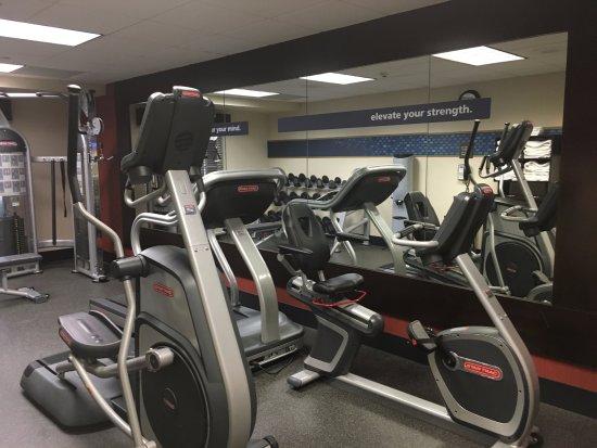 Hampton Inn and Suites Charlottesville - At The University: Fitness Center