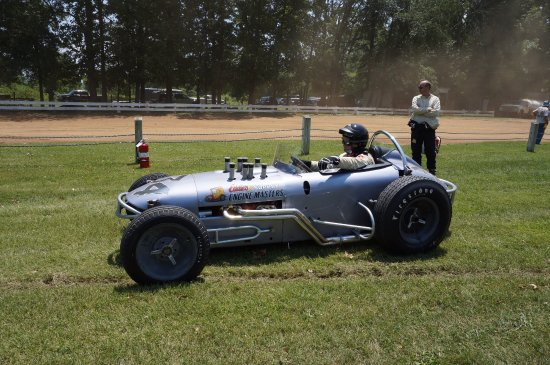 Eastern Museum of Motor Racing: ..OUT ON THE TRACK