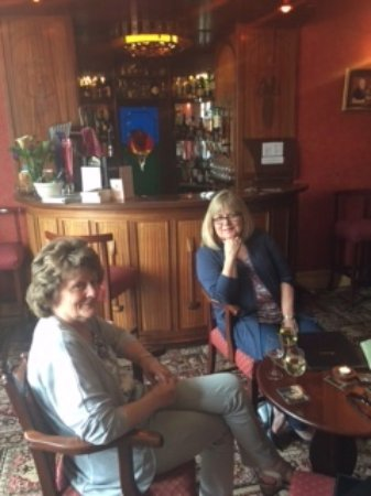 Woodhill House: My cousin and me relaxing in the common guest room. It was lovely!
