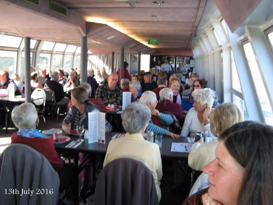 Greater Newcastle, Austrália: Happy guests ready for lunch.