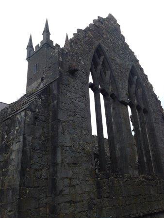 Ennis, Irlanda: photo0.jpg
