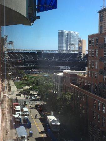 Hotel Indigo San Diego Gaslamp Quarter: Petco Stadium from our room.