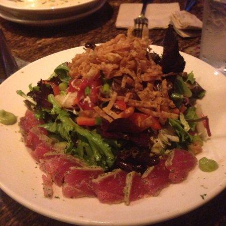 BJ's Restaurant & Brewhouse: Ahi Tuna Salad