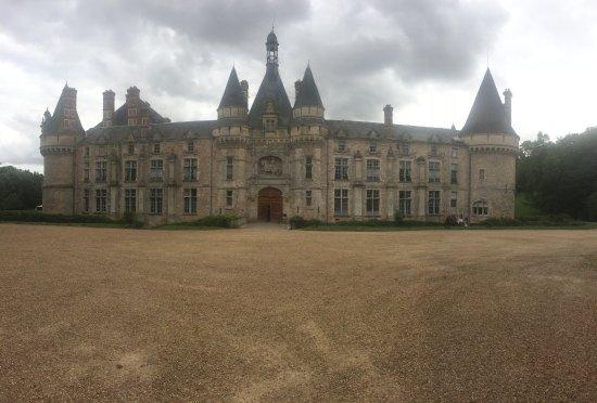 Saint Symphorien le Chateau Resmi