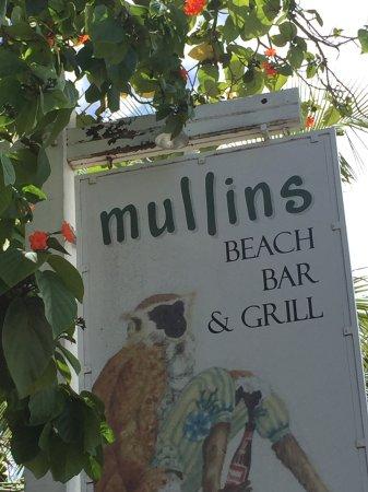 Mullins, باربادوس: Sign with monkey logo