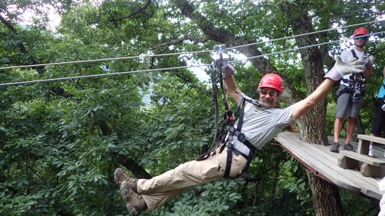 Barnardsville, Carolina do Norte: Zip lining Moody Cove