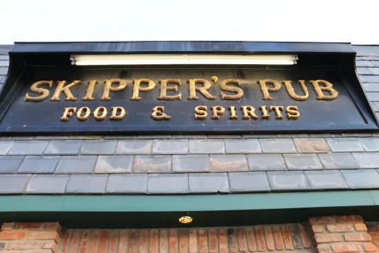 Northport, estado de Nueva York: Skipper's Pub sign