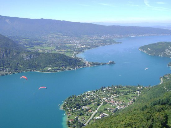 Annecy Aventure : The breath taking view from 1000 feet above!