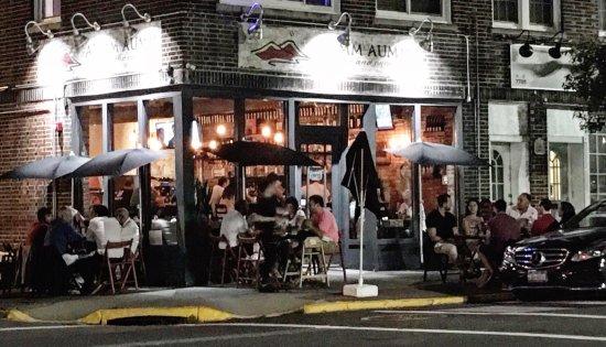 North Bergen, NJ: Outside dinning.   Summer nights
