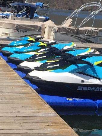 Hampton, TN: New Sea Doo's They Use for tours - GREAT