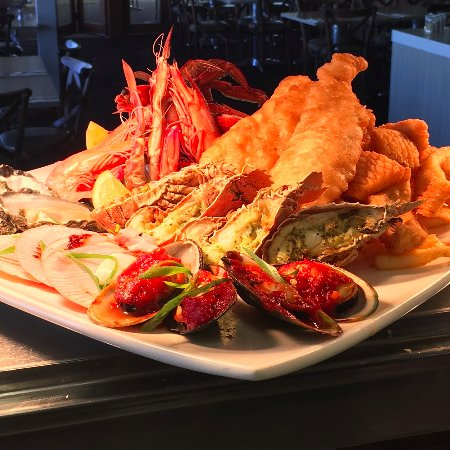 Belmont, Australia: Awesome seafood platters!