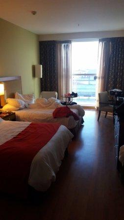 Hotel Ciudad de David: La habitacion con las comodidades estandar y mucha tranquilidad