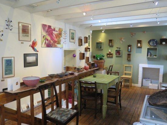 Culross, UK: Inside the cafe.