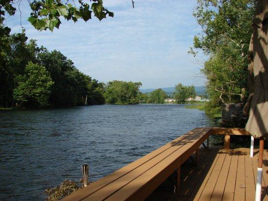 Elizabethton, TN: Back of our Shop - River Deck