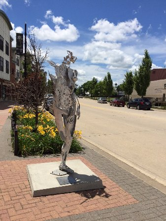 Coralville, IA: Sculpture walk body