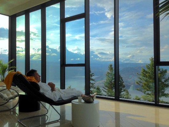 Sparkling Hill Resort: the serenity room
