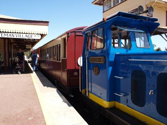 Whiteman, Αυστραλία: All aboard!