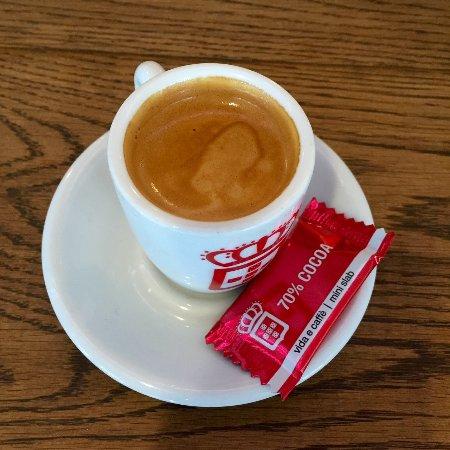 Welp doppio - Picture of vida e caffe, Kempton Park - TripAdvisor YW-14