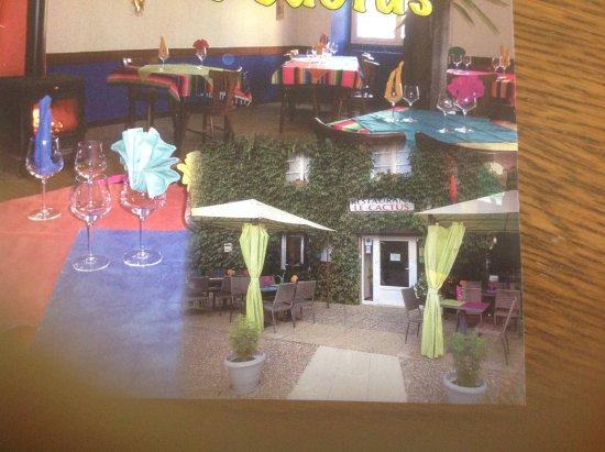 Membrey, ฝรั่งเศส: L'entrée et la salle colorée.