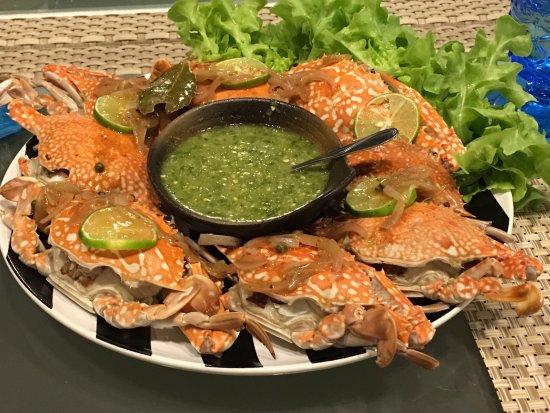 Bangsaen, Thailand: The crab , Yummy!!