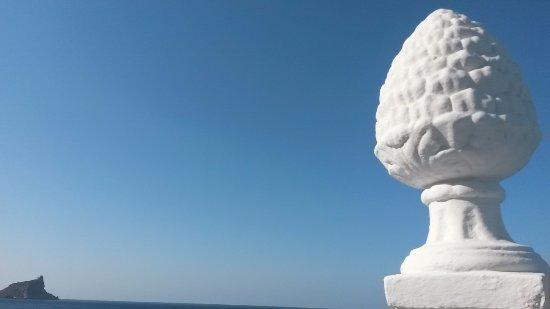 vista sul mare dalla terrazza - Picture of I Delfini, Marettimo ...