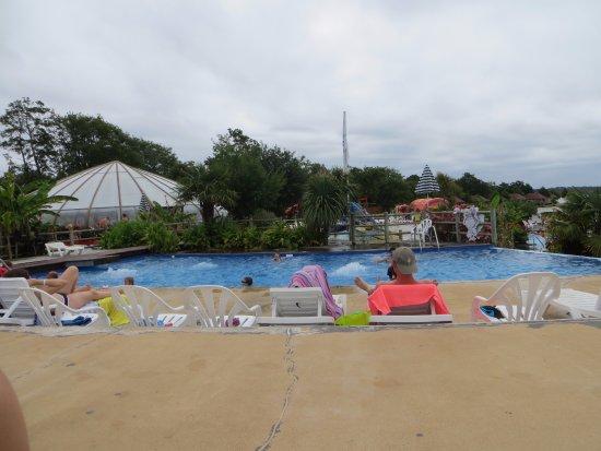 Azur, Prancis: piscine du haut