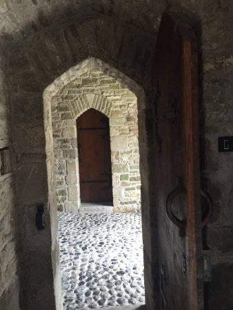 Roscrea Castle: entrance to the tower